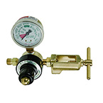 Oxygen Regulator, Preset 50 PSI, CGA870, Yoke, E Cylinder, MRI Compatible